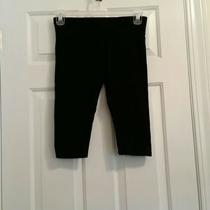 Calvin Klein black  short leggings  M
